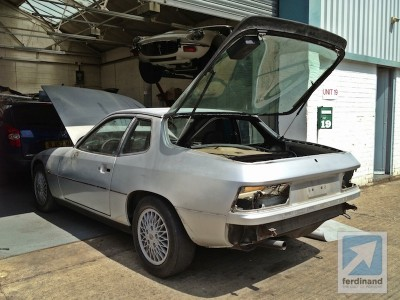 Porsche 924 Turbo restoration 4