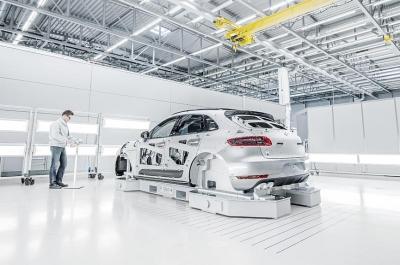 Porsche Macan Testing 1