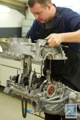 Tuthill Porsche 911 RSR sand cast engine build