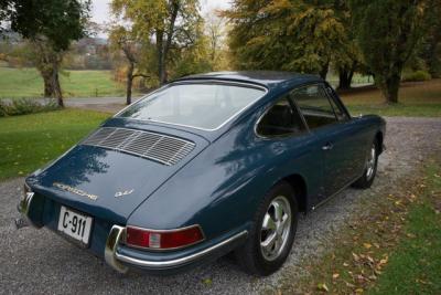 1965 SWB Porsche 911 2