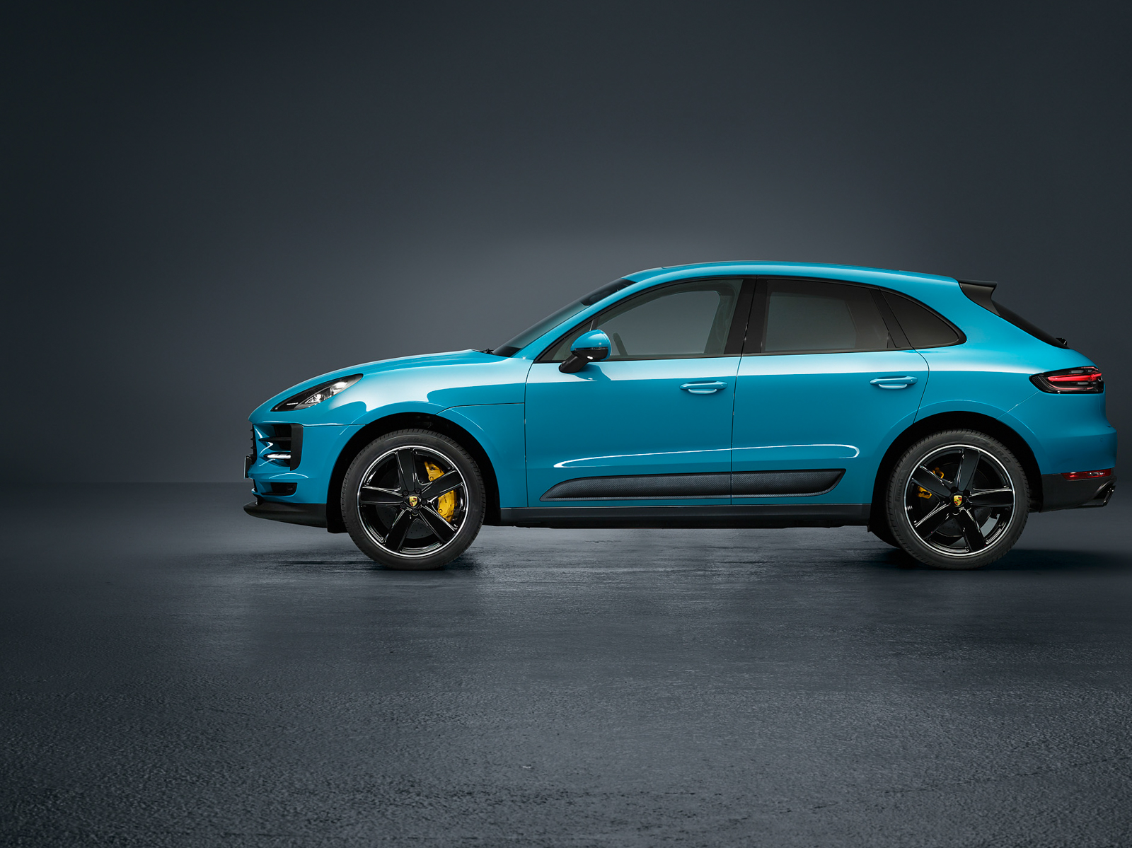 porsche unveils updated macan ferdinand. Black Bedroom Furniture Sets. Home Design Ideas